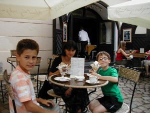 18.7.2003 v Cafe Bertramka, Praha